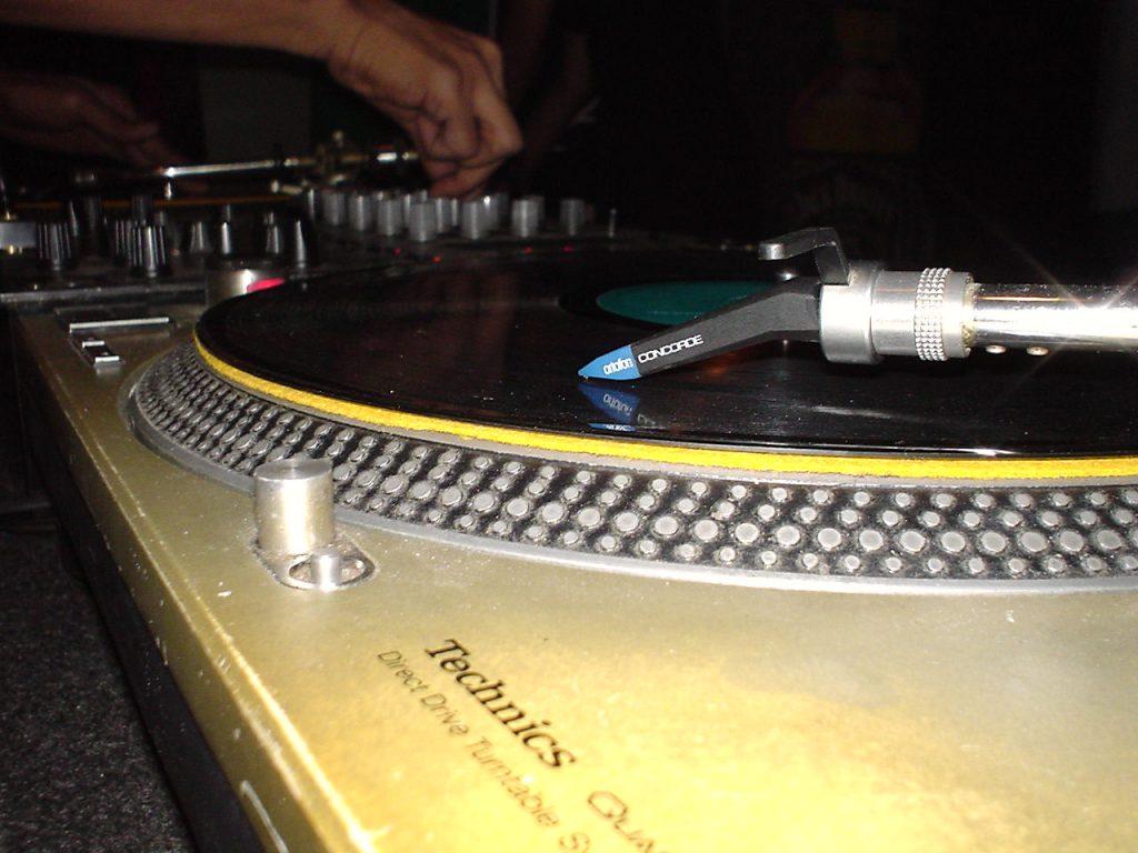 Gramofon Audio-Techniki AT-LP120xBT-USB – dla miłośników analogowego brzmienia