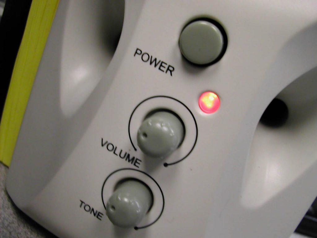 Obudowa podstawą dobrego brzmienia. Poznaj produkty ELAC